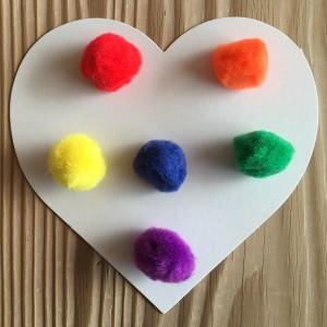 Primary Pom Poms ~  pompones de colores primarios