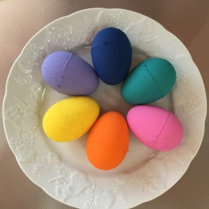 Painted Eggs ~ Huevos pintados