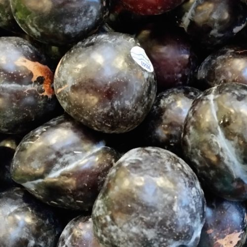 Black Plums ~ Ciruelas negras