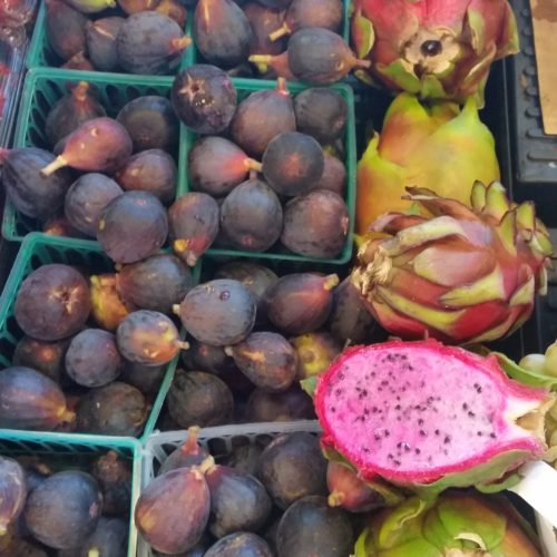 Figs and Dragon Fruit ~ Higos and Pitahaya